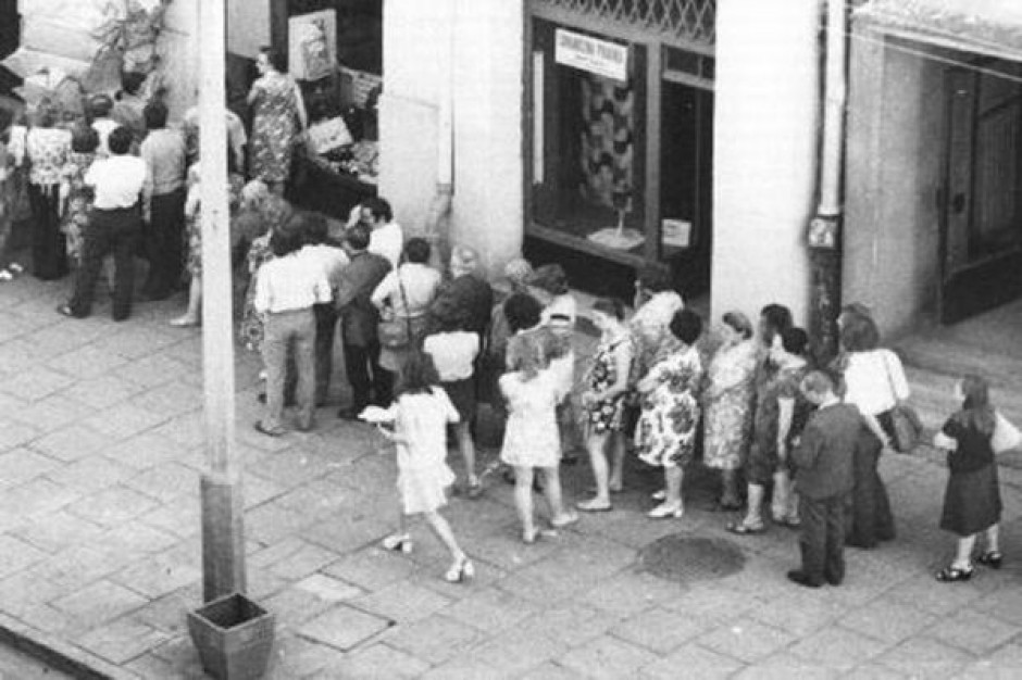 Tłumy po wyższą kuroniówkę