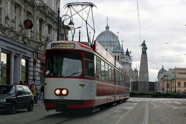 Śledztwo ws. zderzenia tramwaju z autobusem