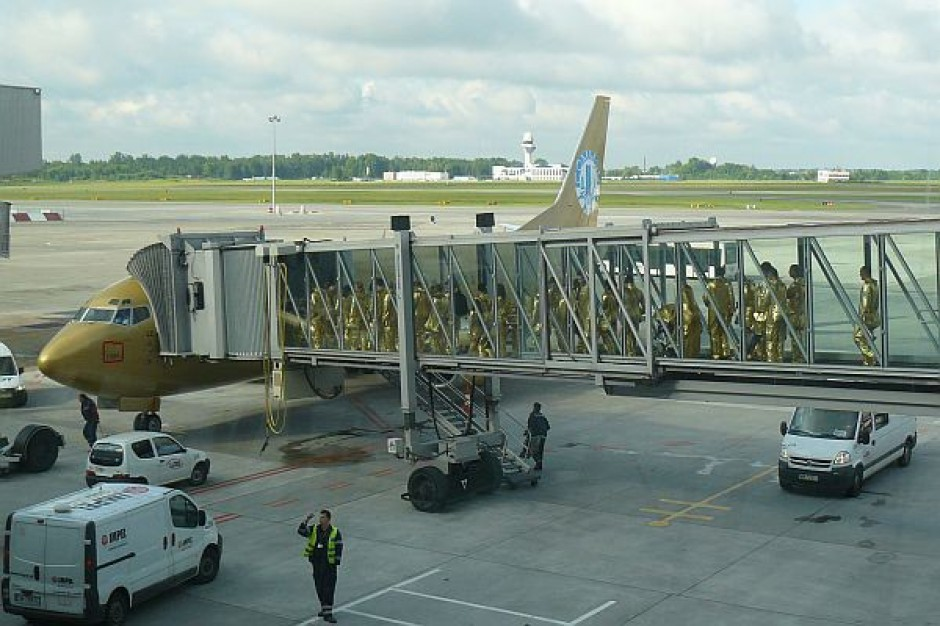 Porty lotnicze pożyczają pieniądze