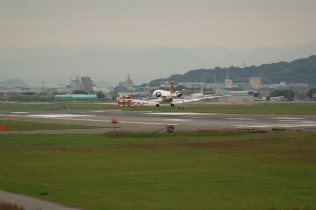 Stolica zostanie bez własnego lotniska
