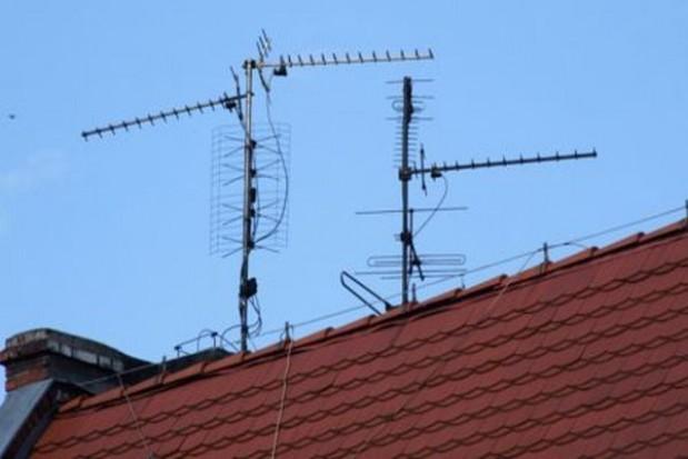 Budowa anten na dachach budynków bez pozwolenia
