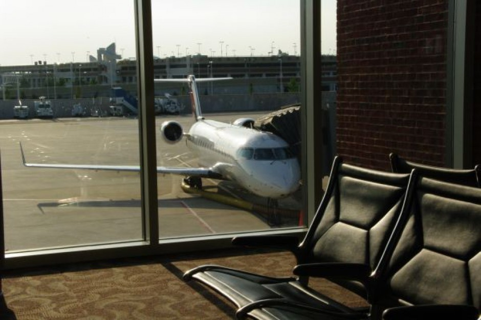 Samorządy już nie chcą lotnisk