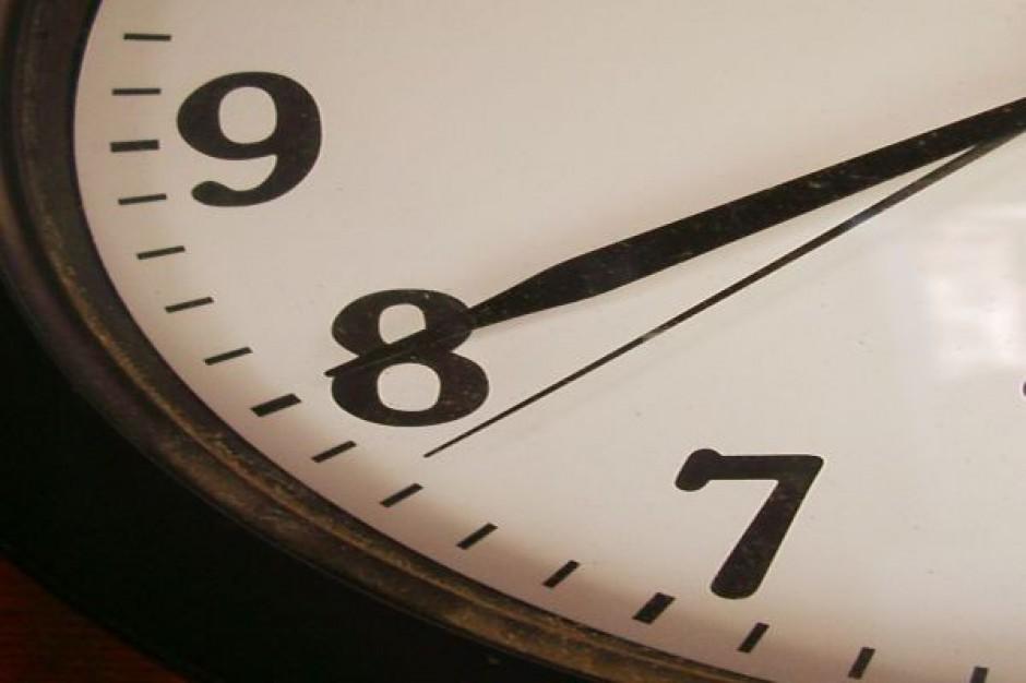 Senat chce dać samorządom czas