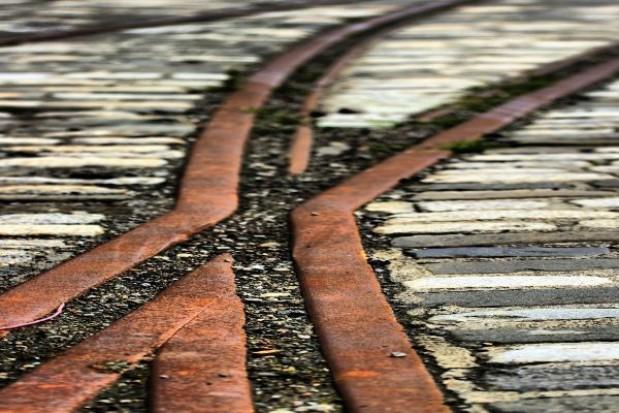 Przebudowa węzła kolejowego Łódź-Fabryczna zagrożona