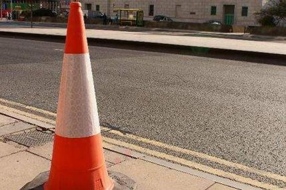 Azyle na przejściach i śpiące pachołki poprawiają bezpieczeństwo na drogach