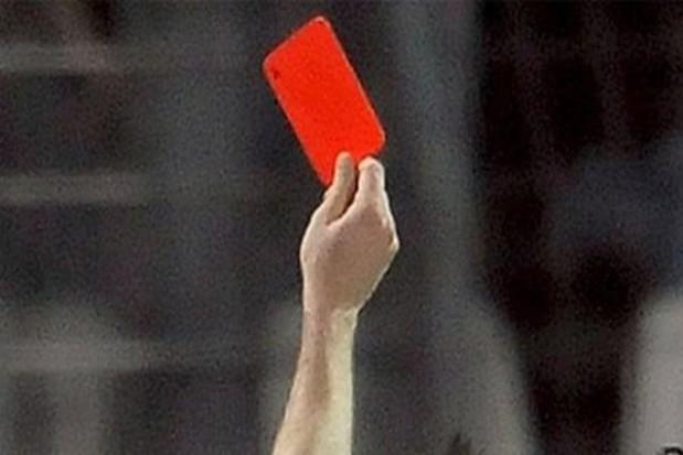Czerwona kartka dla Tuska