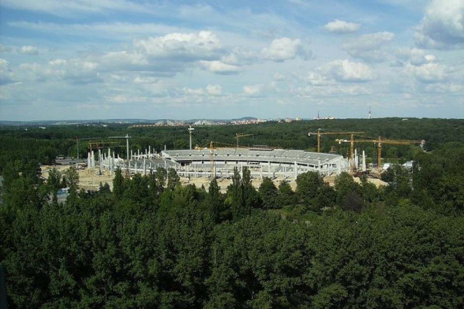 Wokół Stadionu Śląskiego stanie mur