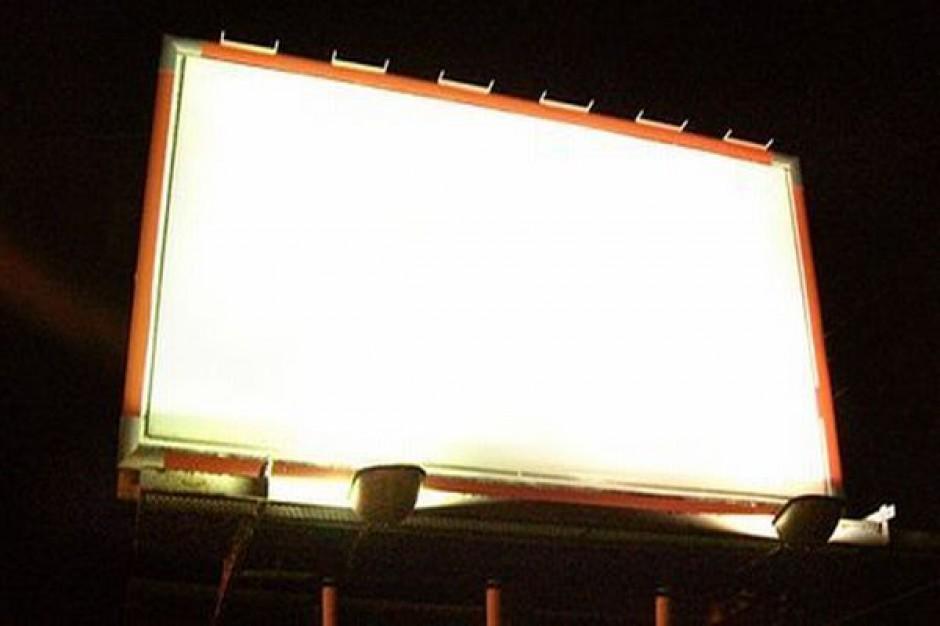 Trzy barwy, billboardy i Internet
