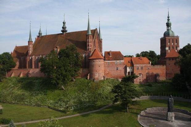 Iluminacja Wzgórza Katedralnego we Fromborku