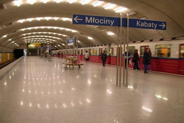 Są problemy z warszawskim metrem
