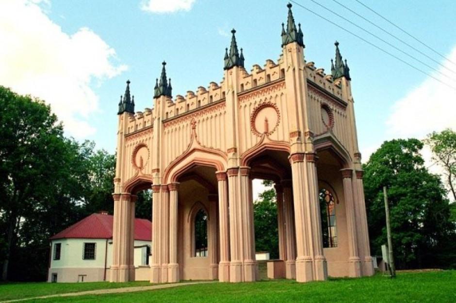 Suwalskie starostwo nie sprzeda ruin pałacu Paca