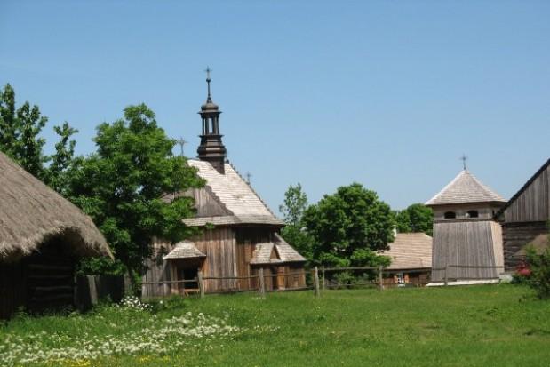 Wirtualny spacer po skansenie wsi kieleckiej