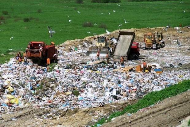 Bezprawne składowisko odpadów