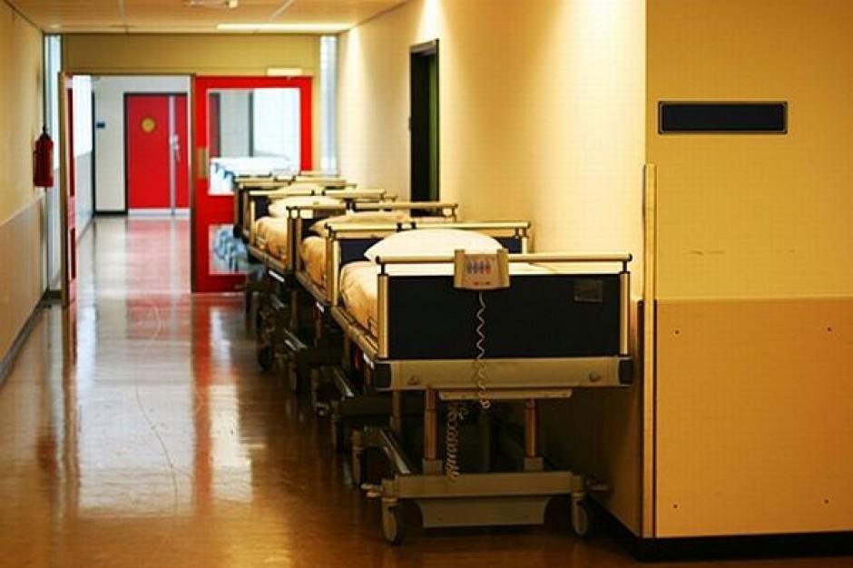 Szpitalny apetyt wciąż rośnie
