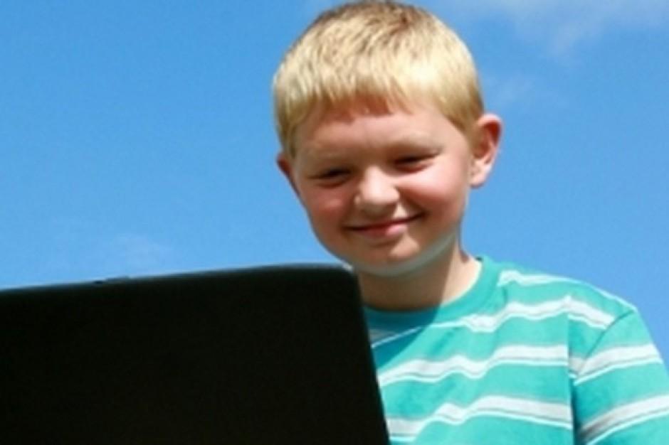 Gdzie najczęściej uczy się przez Internet?