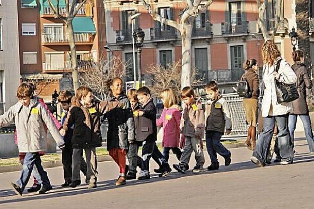 Sześciolatki marsz do szkoły