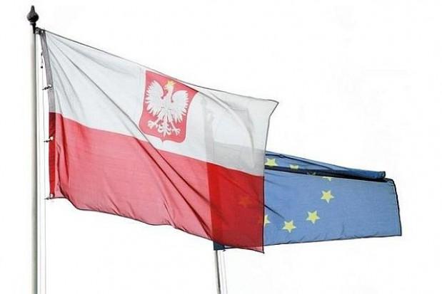 Warszawa w narodowych i unijnych kolorach