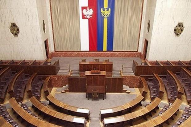 Historyczna sala w rękach samorządu