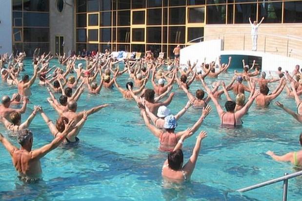 Magistrat nauczy pływać mieszkańców