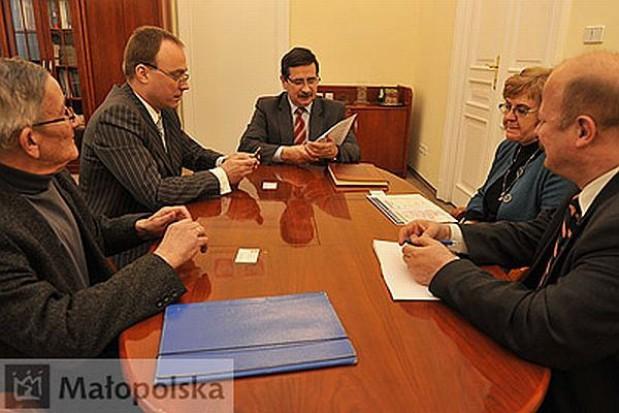 Z konsulem o komunikacji między regionami