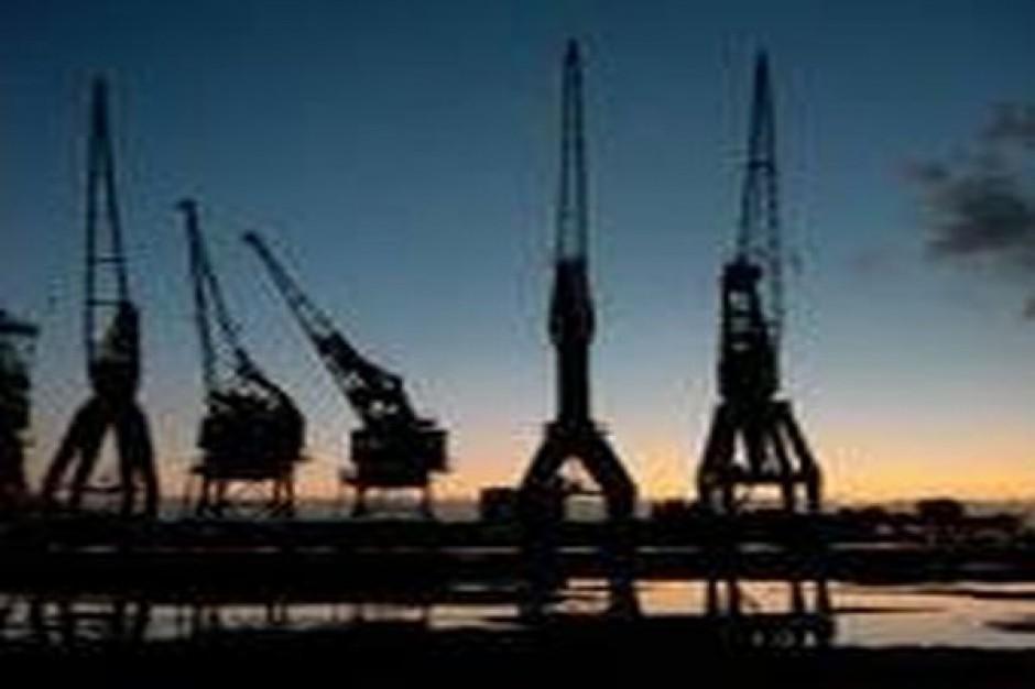 Radni dali 1,1 mln zł na uratowanie stoczniowego dźwigu