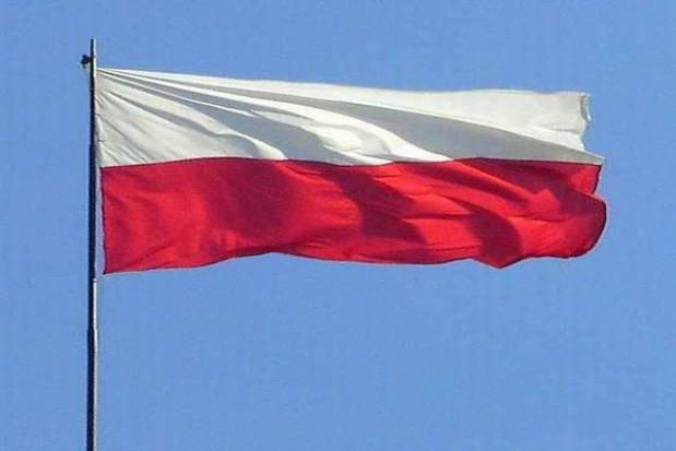 Miasto rozda poznaniakom flagi