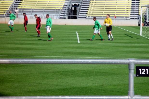 Co z trawnikiem na stadionie?