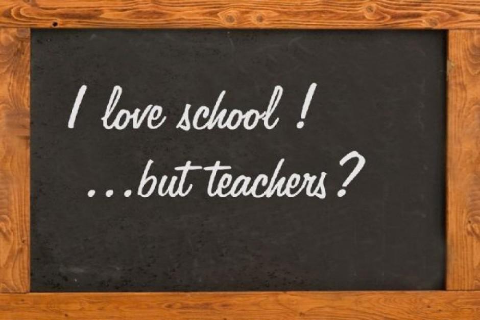 Rząd oszczędza na nauczycielach