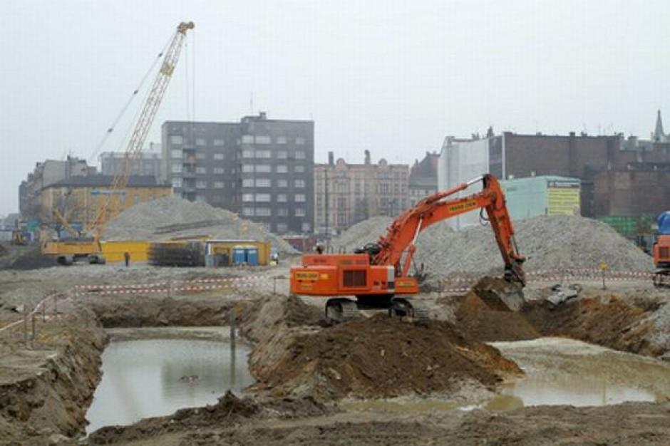 Warszawa spłaca dług i buduje Katowice