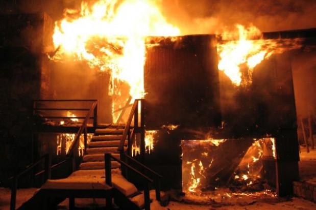 Mieszkańcy spalonej kamienicy w magistracie