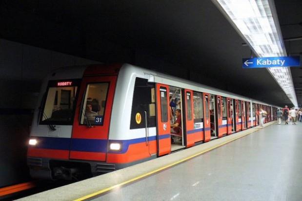 Mniej pieniędzy na warszawskie metro