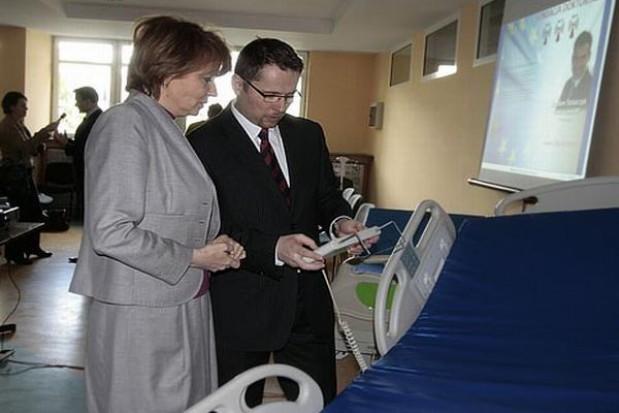 Więcej szpitalnych łóżek dzięki...internetowi