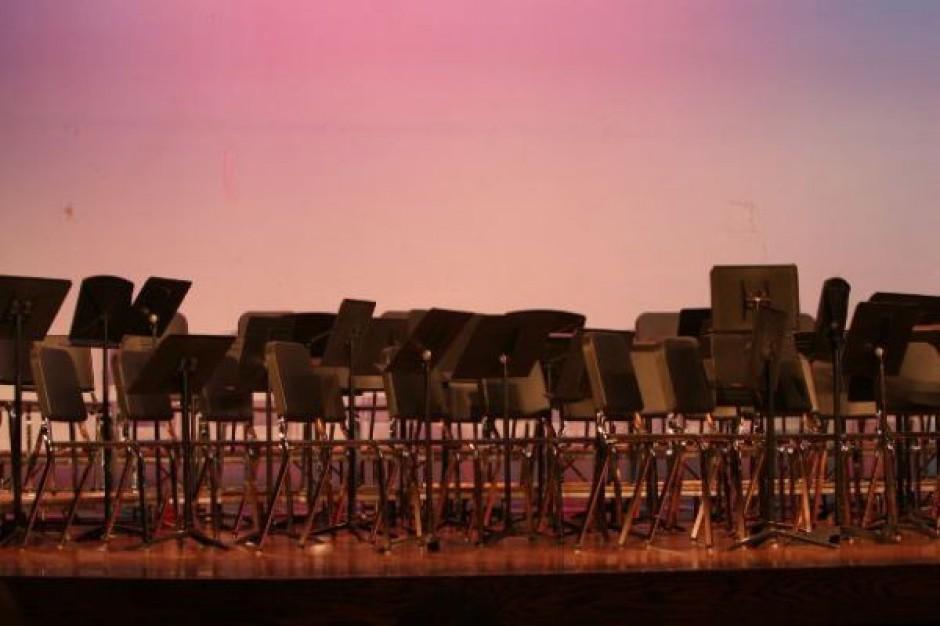 Budujemy stadiony i filharmonie
