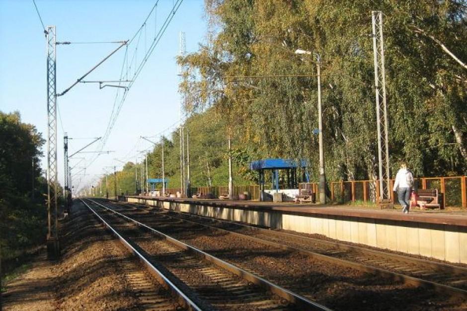 Kolej jeździ po korekcie i rozwija usługi