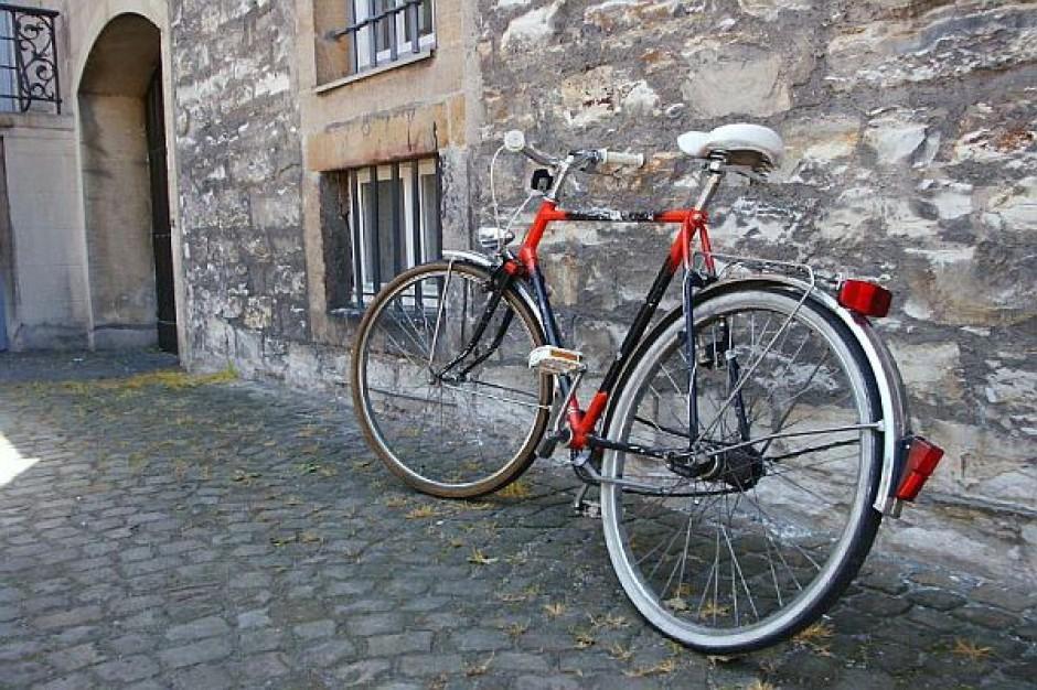 Prezydent kupił policjantom rowery. I co? I nic.