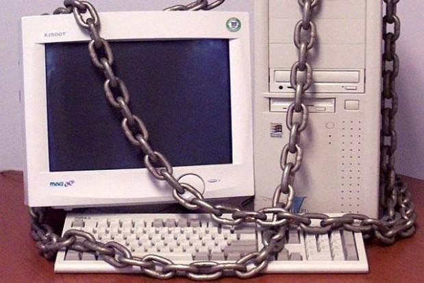 Łódzki urzędnik w sieci nie posurfuje
