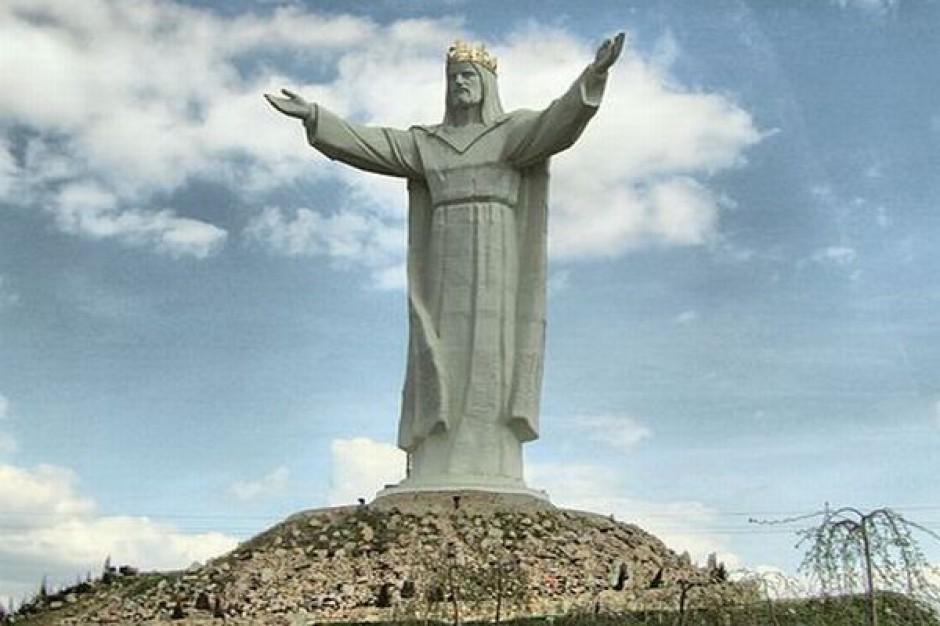 Rzeźba Chrystusa magnesem na inwestorów