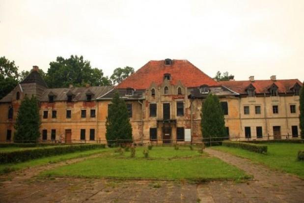 Brak pieniędzy na remont mazurskiego pałacu