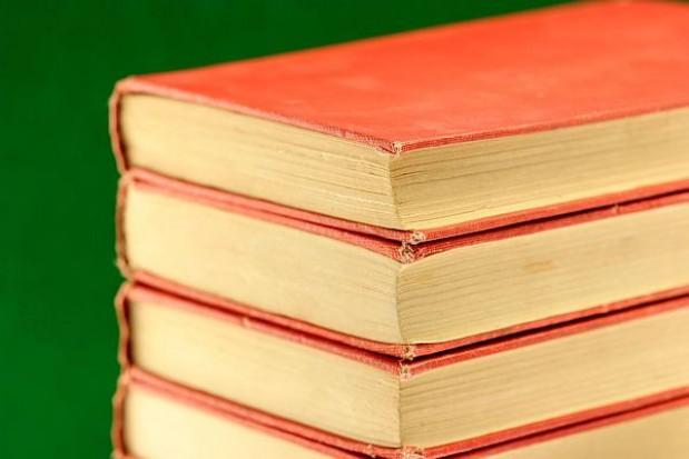 Drogie podręczniki rujnują rodziny