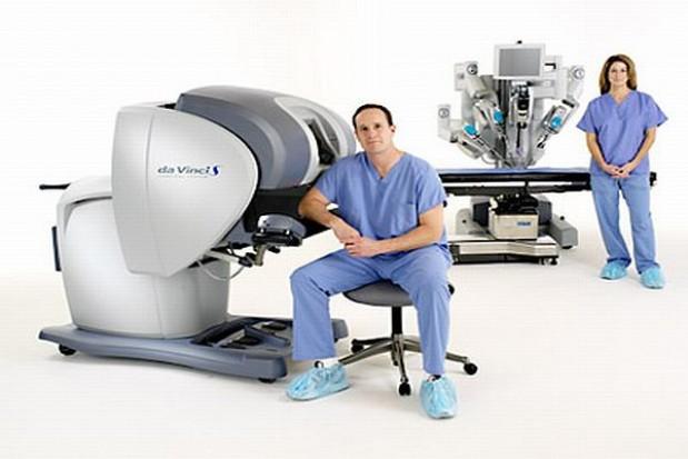 Marszałek dofinansuje operacje przy użyciu robota da Vinci