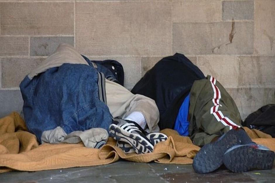 Trzeba uprościć bezdomnym dostęp do leczenia