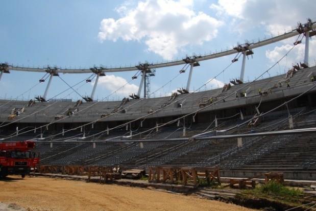Stadion Śląski będzie gotowy dopiero w połowie 2012 r.?