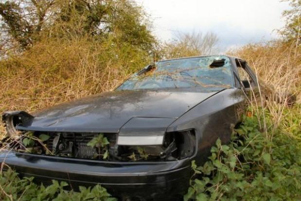 Powiaty odholują wraki samochodów