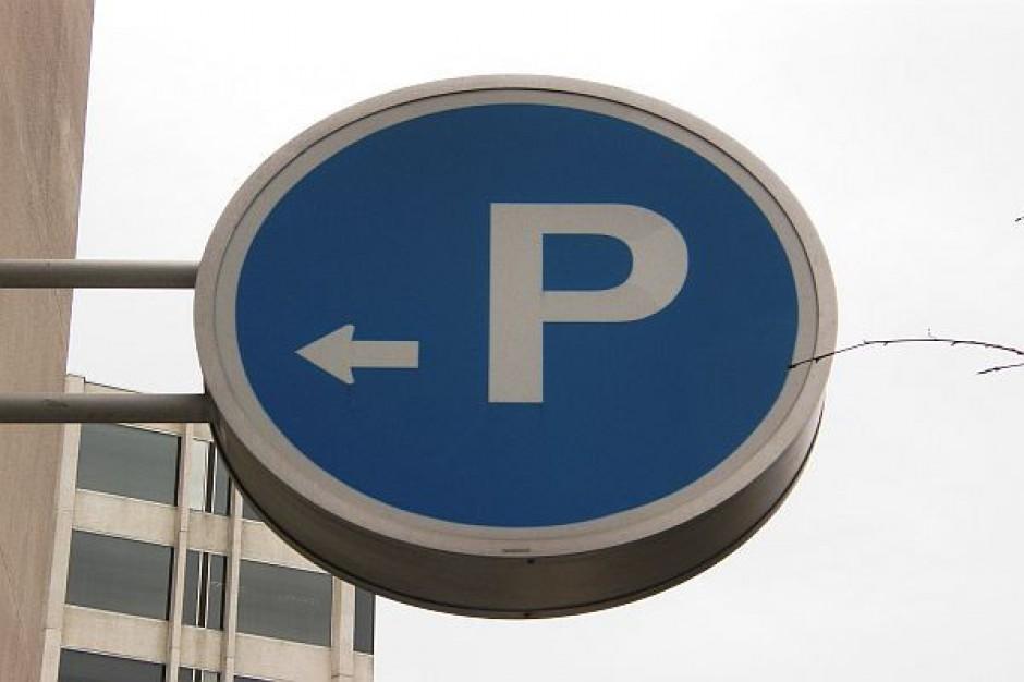 Nowy parking przed skarbówką w Swarzędzu