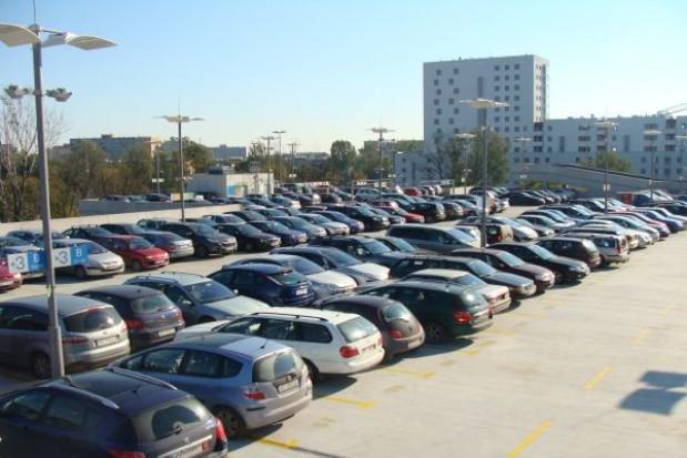 Będzie parking pod starostwem