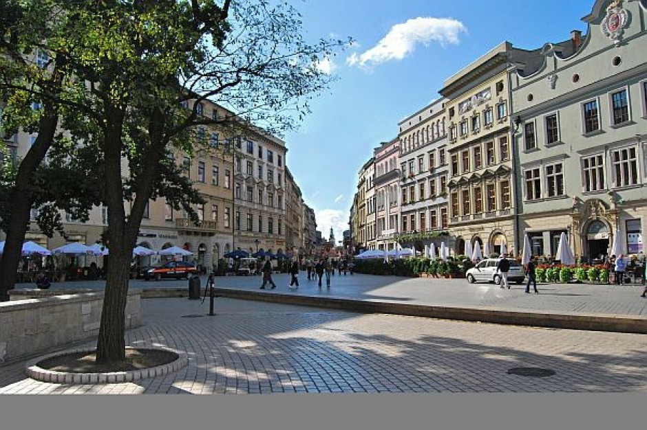 Patrole zadbają o ciszę nocną w centrum Krakowa