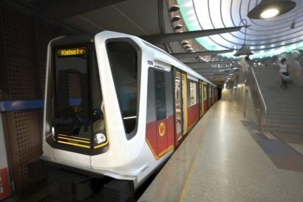 Pociągi dla metra na kredyt