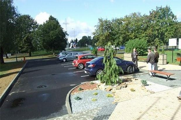 Nowy parking przy starostwie