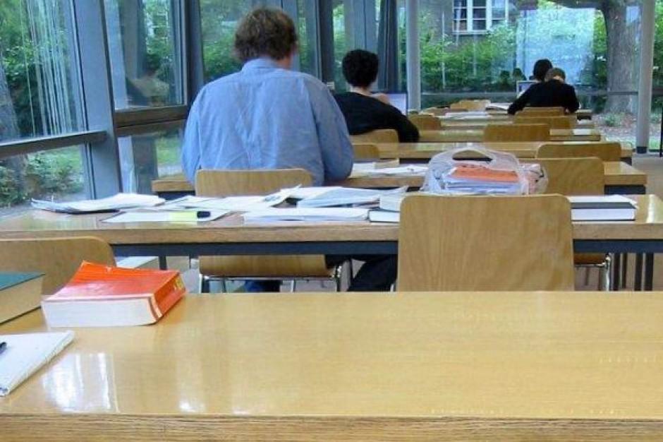 """Unia pomoże uczniom radomskich """"zawodówek"""""""