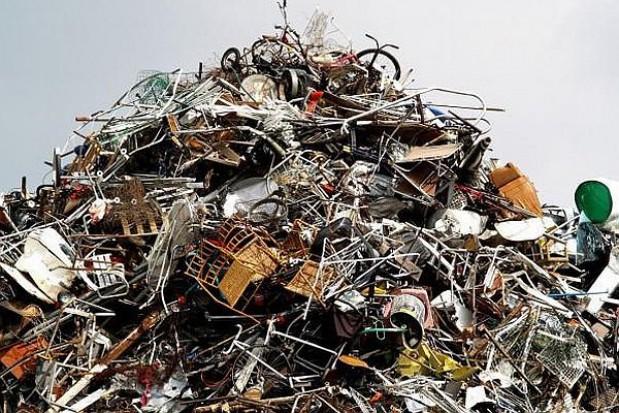 Jak NFOŚiGW pomaga gminom pozbyć się śmieciowego problemu?